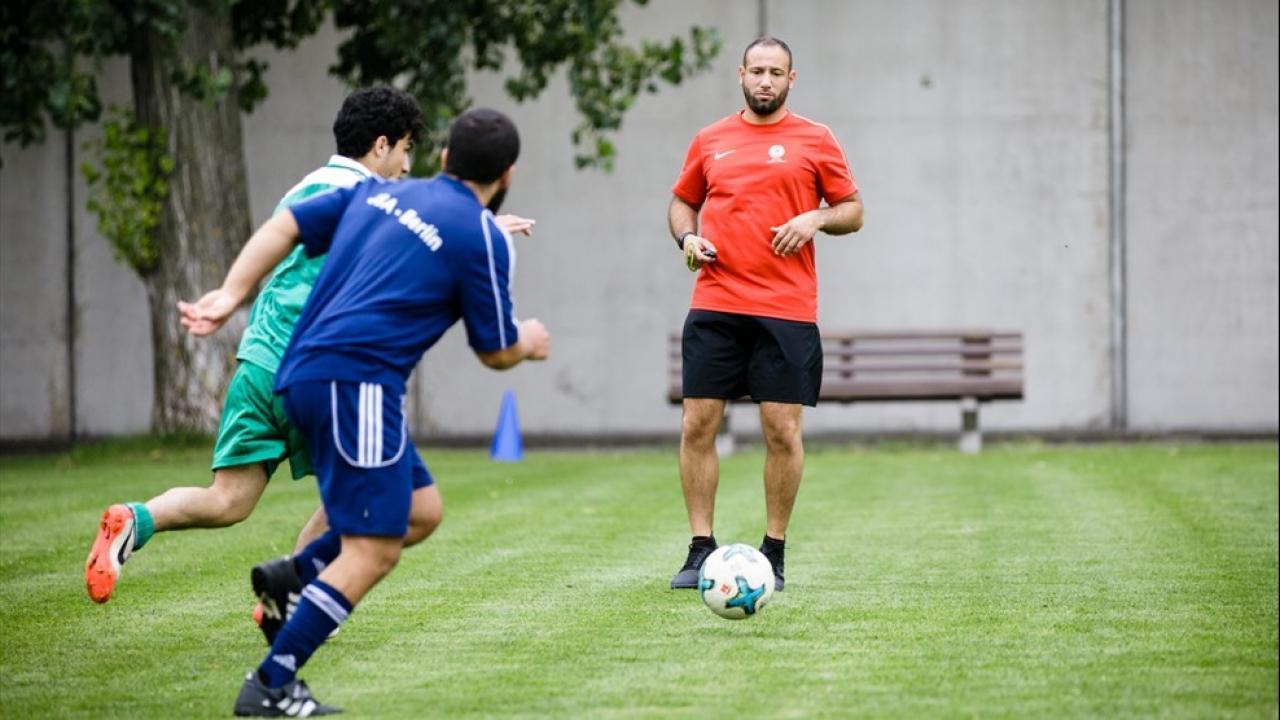 Αθλητισμός στις φυλακές: Με μια μπάλα για την επανένταξη