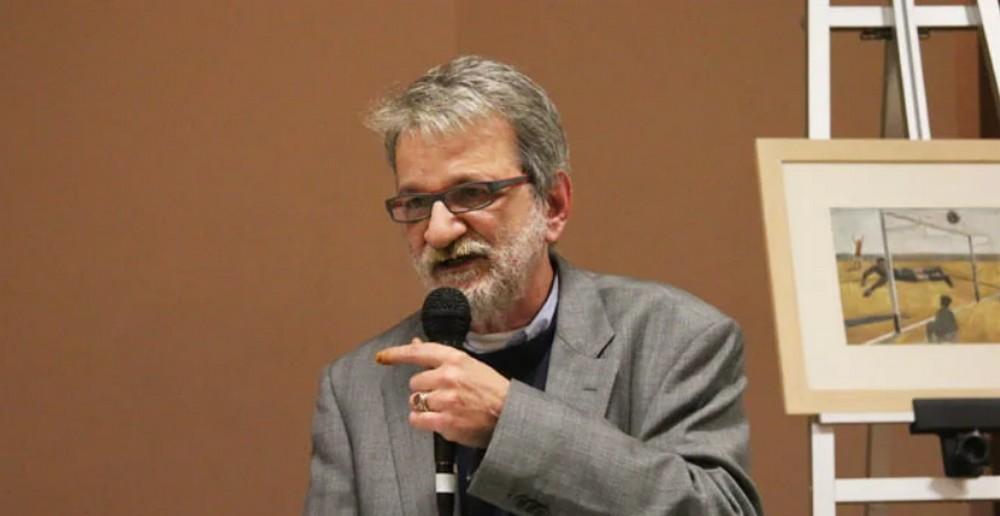 O συγγραφέας Χριστόφορος Κάσδαγλης μιλά για ποδόσφαιρο – Το μήνυμα του Θάνου Μικρούτσικου (vid)