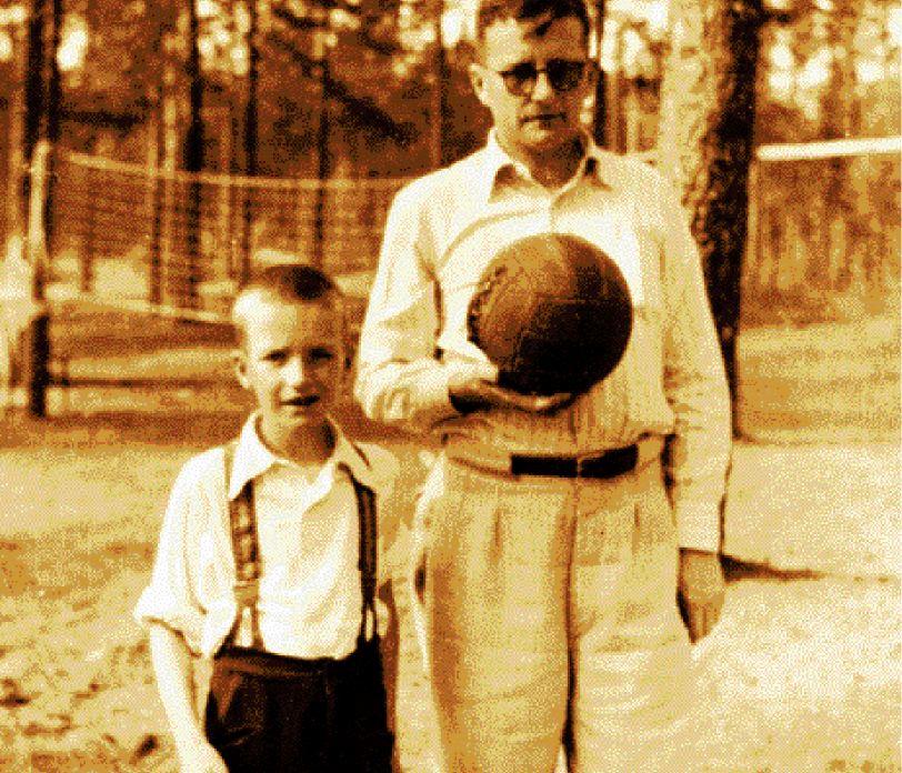 Ντμίτρι Σοστακόβιτς: Ο εμβληματικός συνθέτης που εμπνεόταν και λάτρευε το ποδόσφαιρο